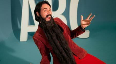 Hr skæg med bogstaver - alfabetsangen