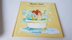 Bog - Mette i bad fra Gyldendal