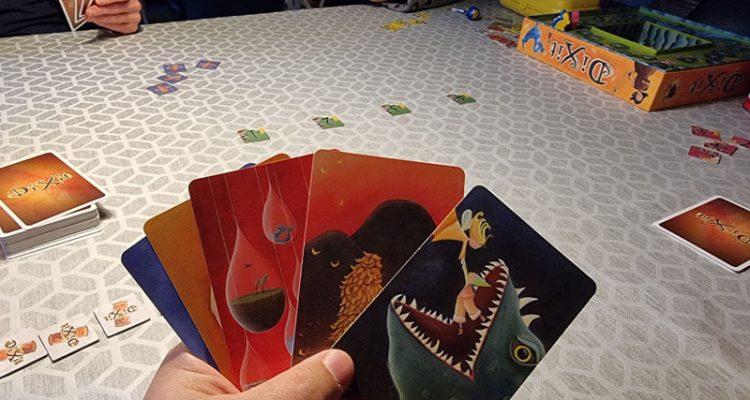 Dixit - så skal der associeres - Dansk spillekort 01